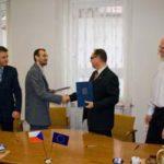 Starosta podepsal první smlouvy o dotaci zEvropské unie