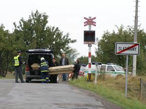 Tragická nehoda na přejezdu ve Slatiňanech