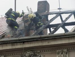 Muž v Chrudimi z pomsty zapálil dům a sám se ohlásil