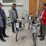 V nepřízni počasí zvládli starostové výlet na kole na jedničku