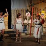 Dívčí válka na zámku v Cholticích