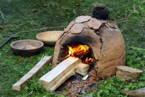 Jak se staví keltská vesnice aneb léto plné řemesel