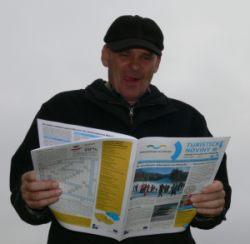 Vladimír Pecina s turistickými novinami