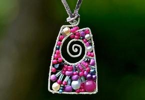 Kurz Vyplétaného náhrdelníku v Čajovně Lůna