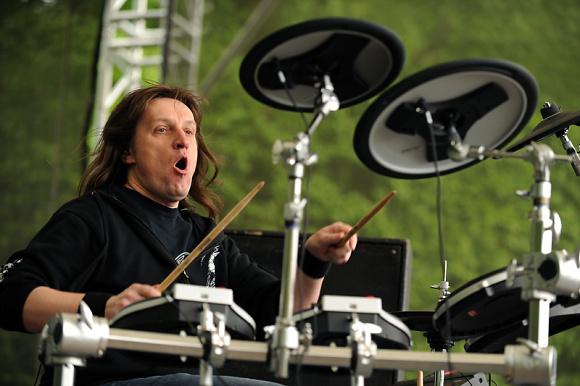 Zemřel Aleš Zimolka, bubeník kapely Asonance