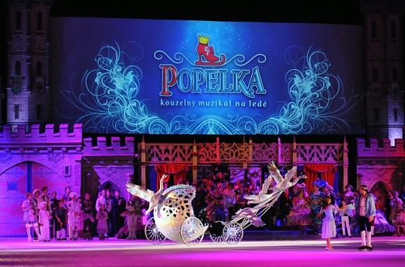 Popelka na ledě turné 2012