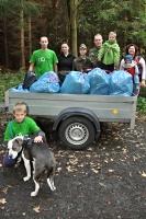 sesbirane odpadky v lese