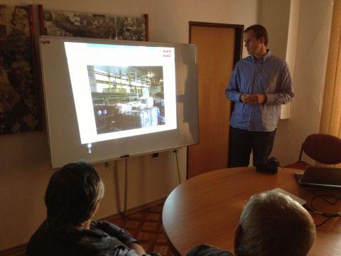 Občanské sdružení Altus ve spolupráci se společností AVE představilo svůj záměr na vznik zařízení na odstranění tekutých odpadů a odpadních vod v lokalitě Chrudim na nasavrcké radnici.