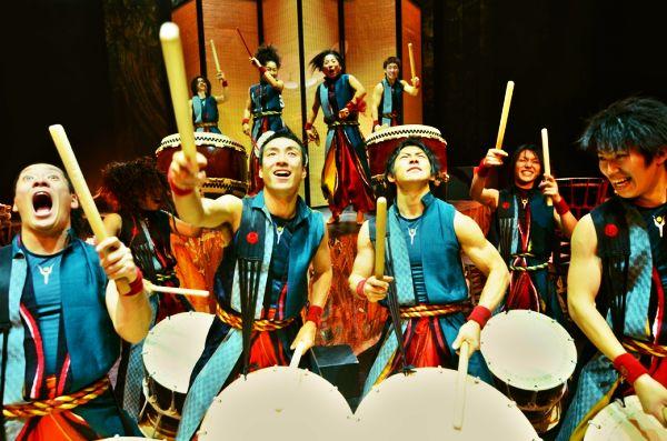 Megaturné japonských bubeníků YAMATO