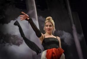 Sabina Laurinová jako Dáma s kaméliemi