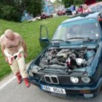 Vozy BMW a Ford se budou prohánět v Hradci