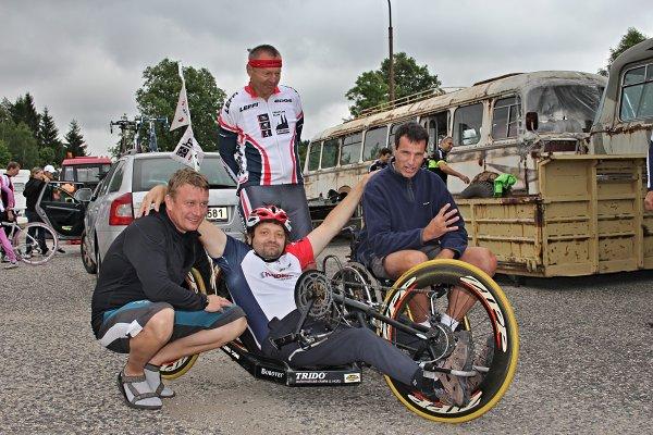 Odstartoval unikátní cyklozávod napříč Českem a Slovenskem