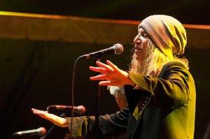 Hvězda festivalu Patti Smith, která předvedla překvapivě poklidné vystoupení, foto: Jindřich Oplt