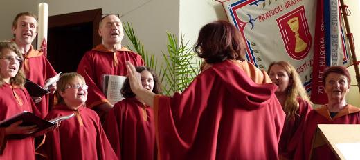 Pěvecký sbor Malikchor pořádá benefiční koncert pro Terezku Vargovou