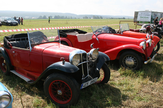 Historické automobily zde také našly své místo, foto: Archiv Chrudim