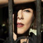 Hvězda světových hitparád míří na Sychrov – zazpívá tu Suzanne Vega