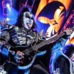 Policejní razie v domě zpěváka Kiss