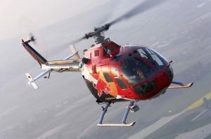 Helicopter Show letos uchvátí exhibicí akrobatického vrtulníku Red Bull BÖ105