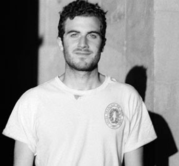 Elektronický mág Nicolas Jaar vystoupí v srpnu v Praze
