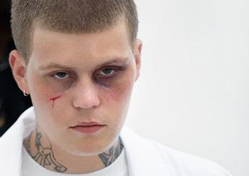 Švédský rapper Yung Lean se letos vrátí do Prahy. Se svou crew Sad Boys vystoupí ve Velkém sále Lucerna29.