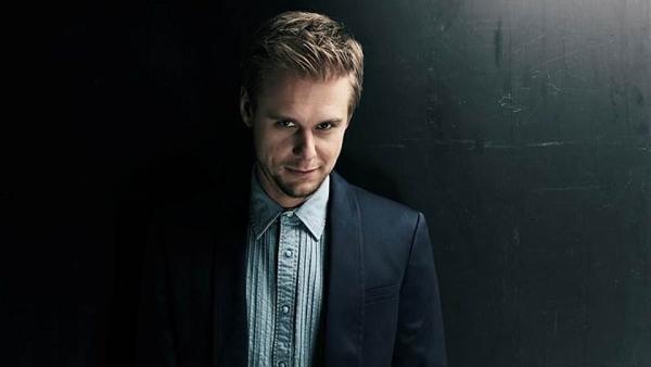Armin van Buuren míří na Mácháč