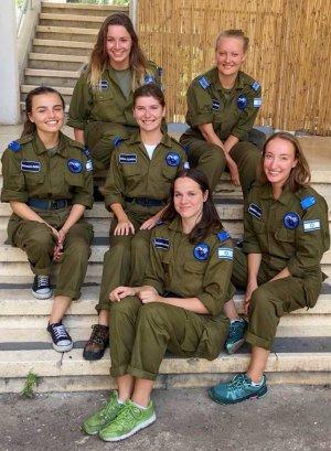 Ženská část dobrovolnické skupiny