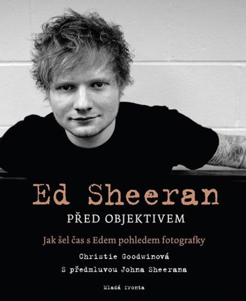 Ed Sheeran před objektivem - obal knihy