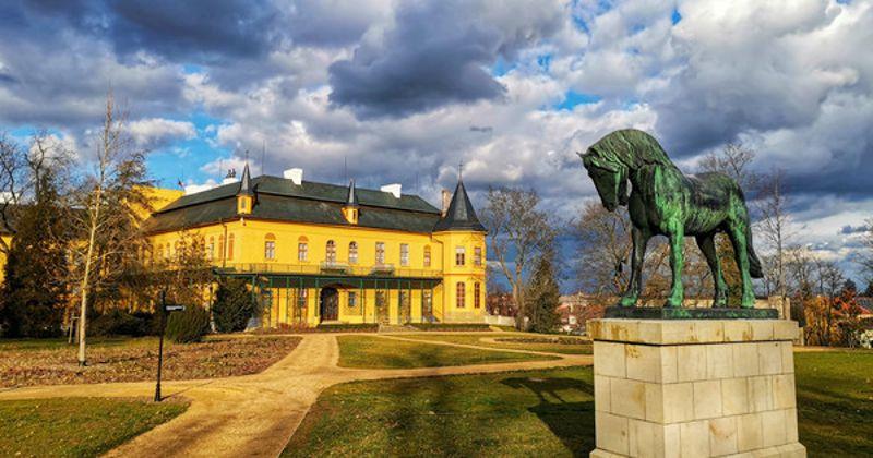 Státní zámek Slatiňany